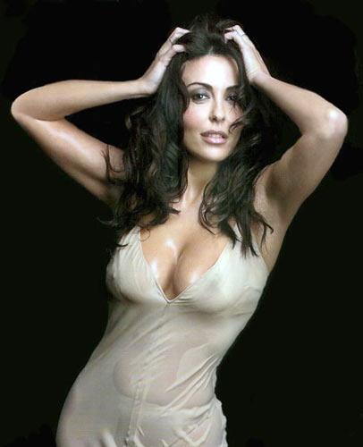 Sabrina Ferilli transparente como el agua